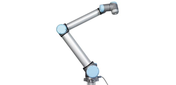 Braccio robotico UR10